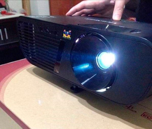Guest Post: ViewSonic PJD5255 Projector Unboxing