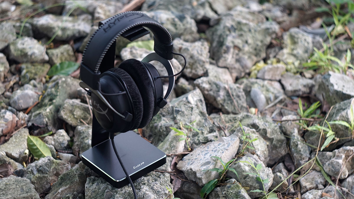 LUXA2 E-One Premium Aluminium Headset Holder Review