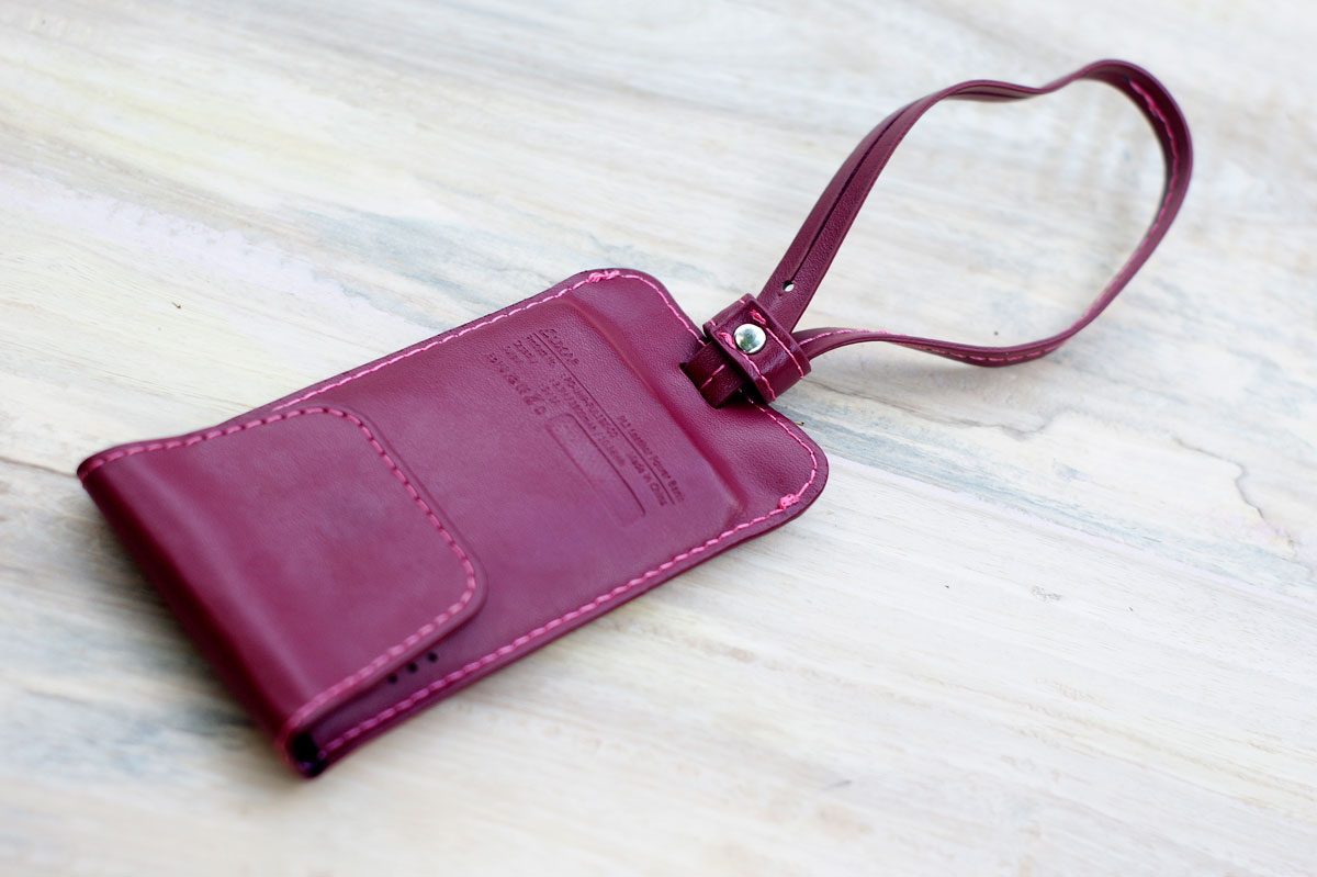 LUXA2-PL1-Leather-Power-Bank-3