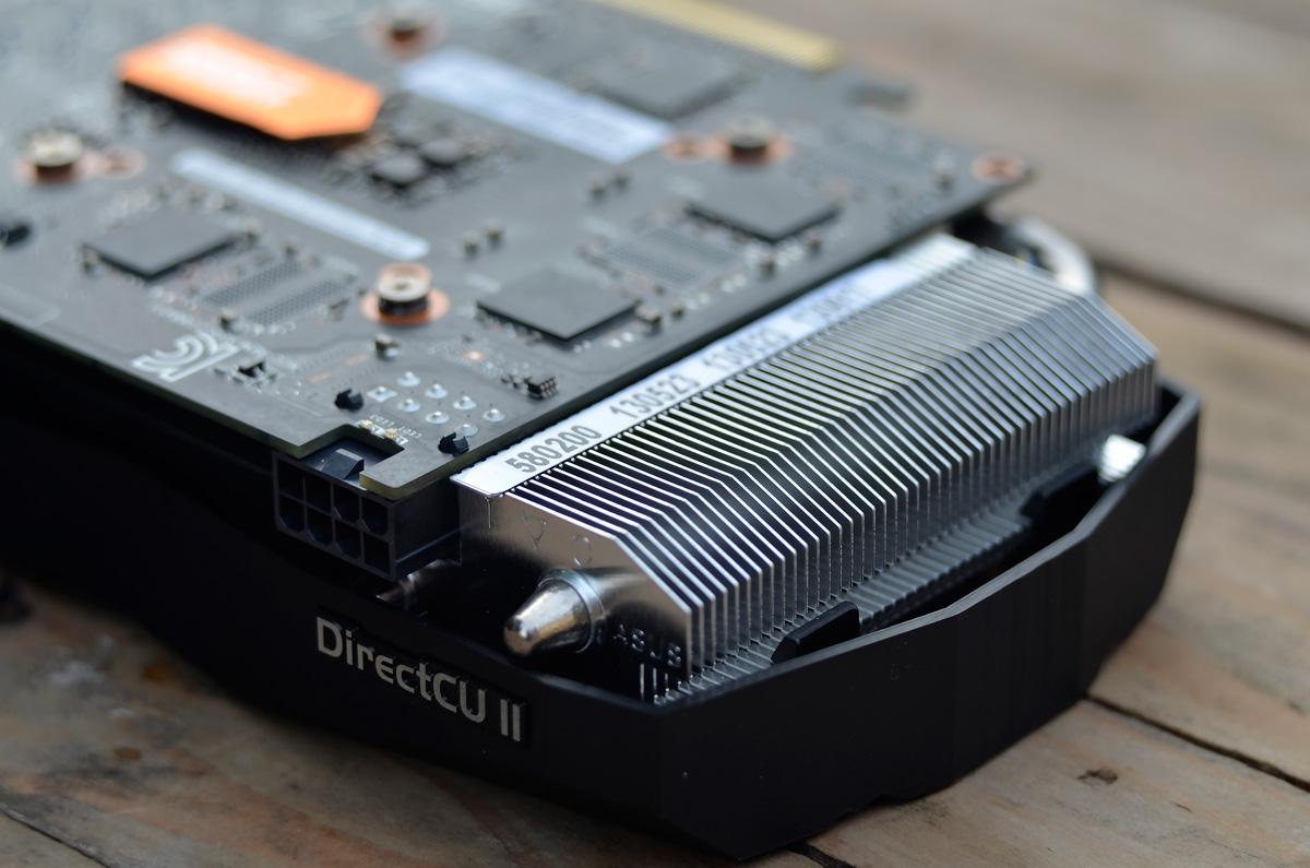 ASUS-GeForce-GTX-760-DCUII-OC-9