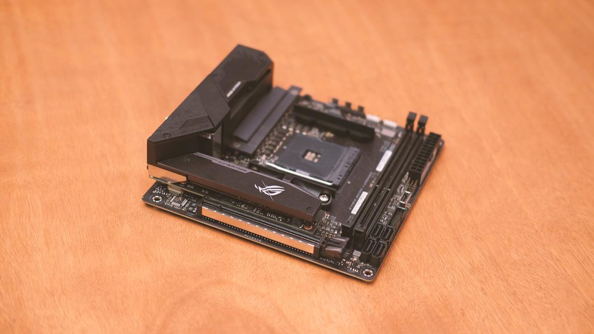 ASUS ROG Strix B550 I Gaming Images 2