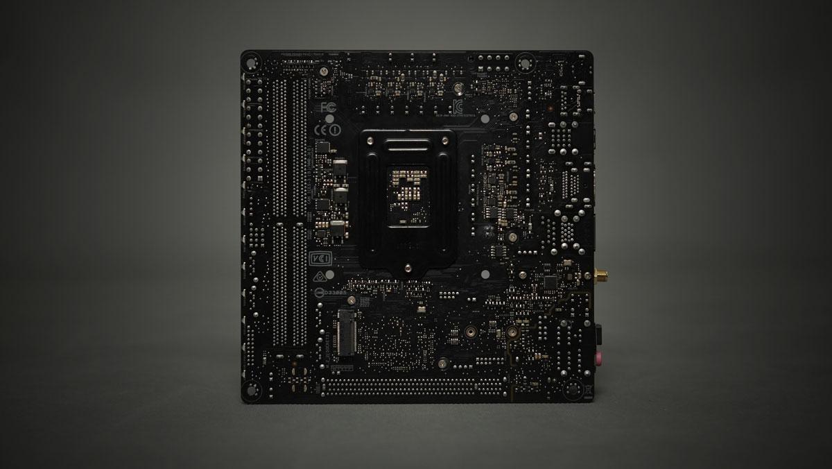 ASUS-ROG-Strix-Z270I-Gaming-ITX-10