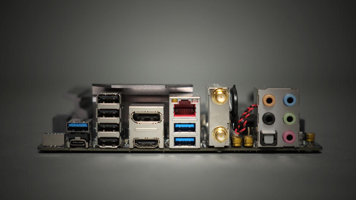 ASUS-ROG-Strix-Z270I-Gaming-ITX-13