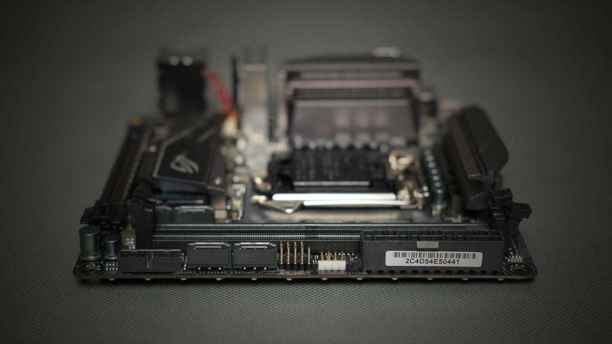 ASUS-ROG-Strix-Z270I-Gaming-ITX-14