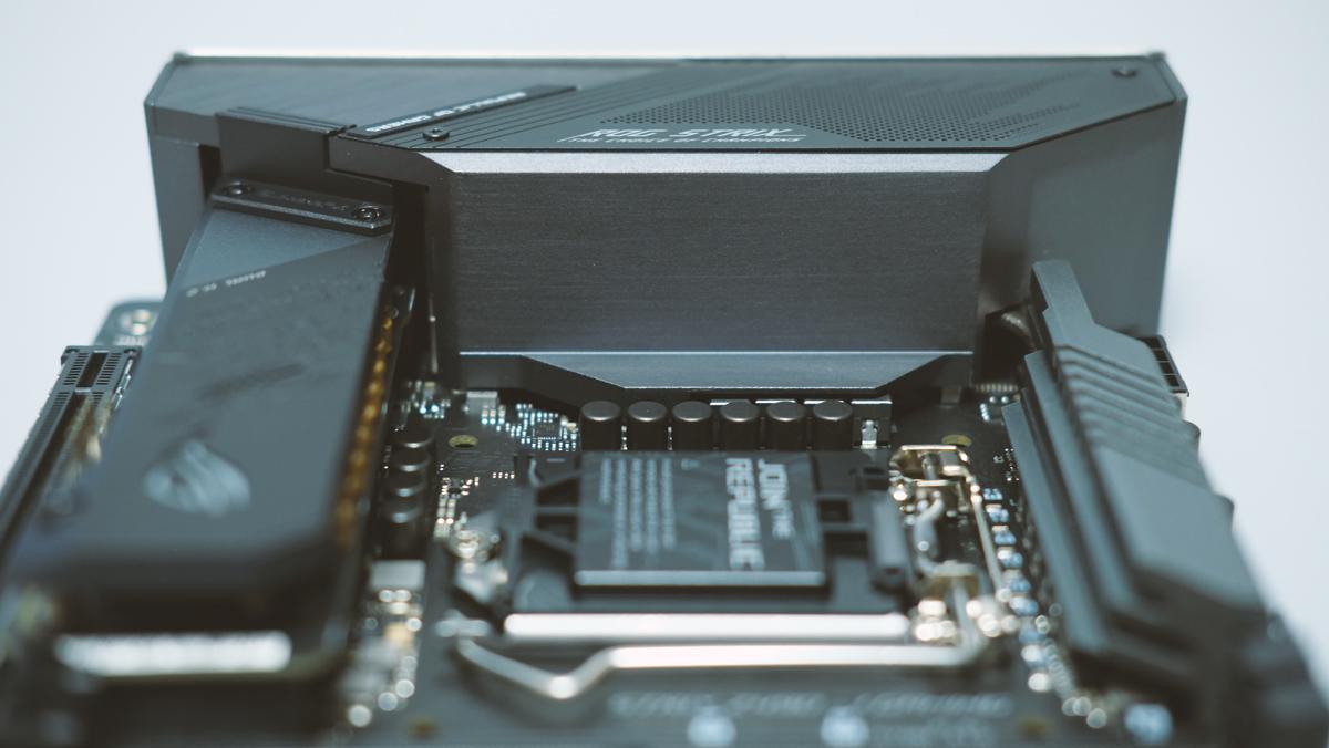 ASUS ROG Strix Z490 I Gaming Preview 4