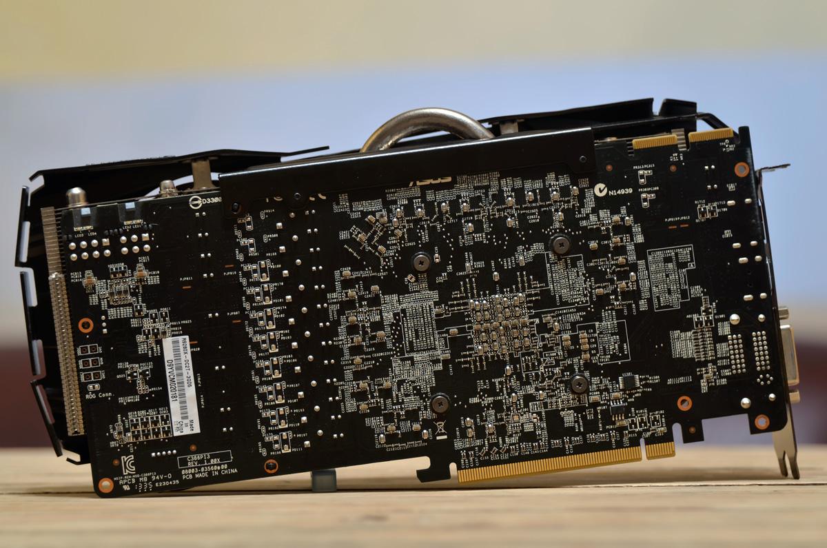 ASUS-Radeon-R9-280X-DirectCU-II-TOP-7