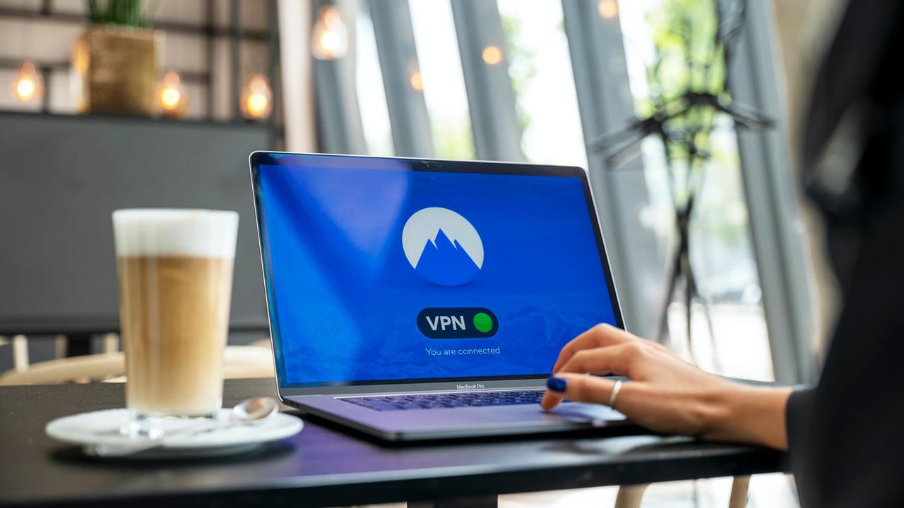 Expert Tips For Choosing The Right VPN Service