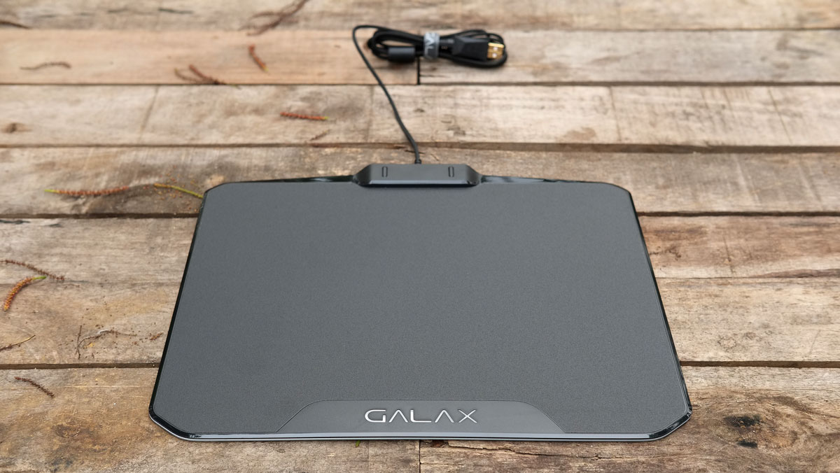 GALAX-SNPR-RGB-Mouse-Pad-3