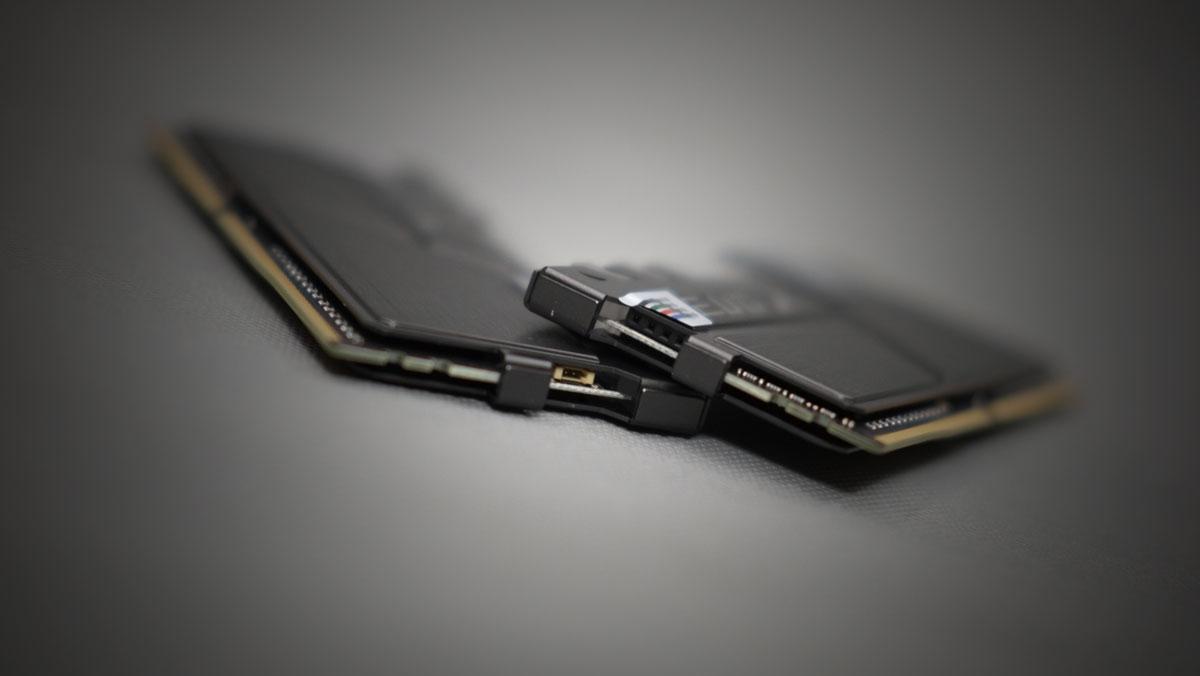 GEIL-EVO-X-RGB-300MHZ-DDR4-16GB-4