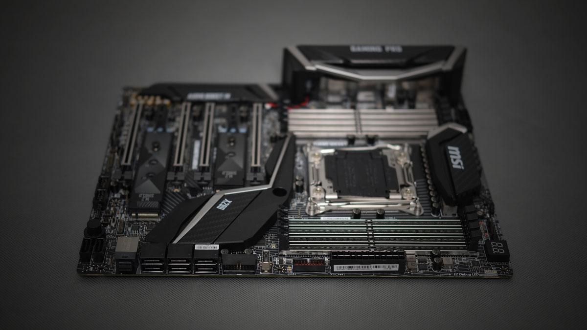 MSI-X299-Gaming-Pro-Carbon-3
