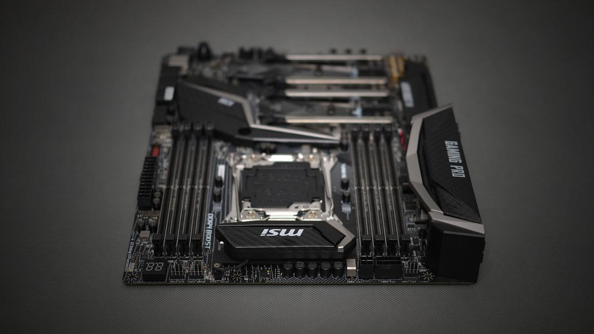 MSI-X299-Gaming-Pro-Carbon-4