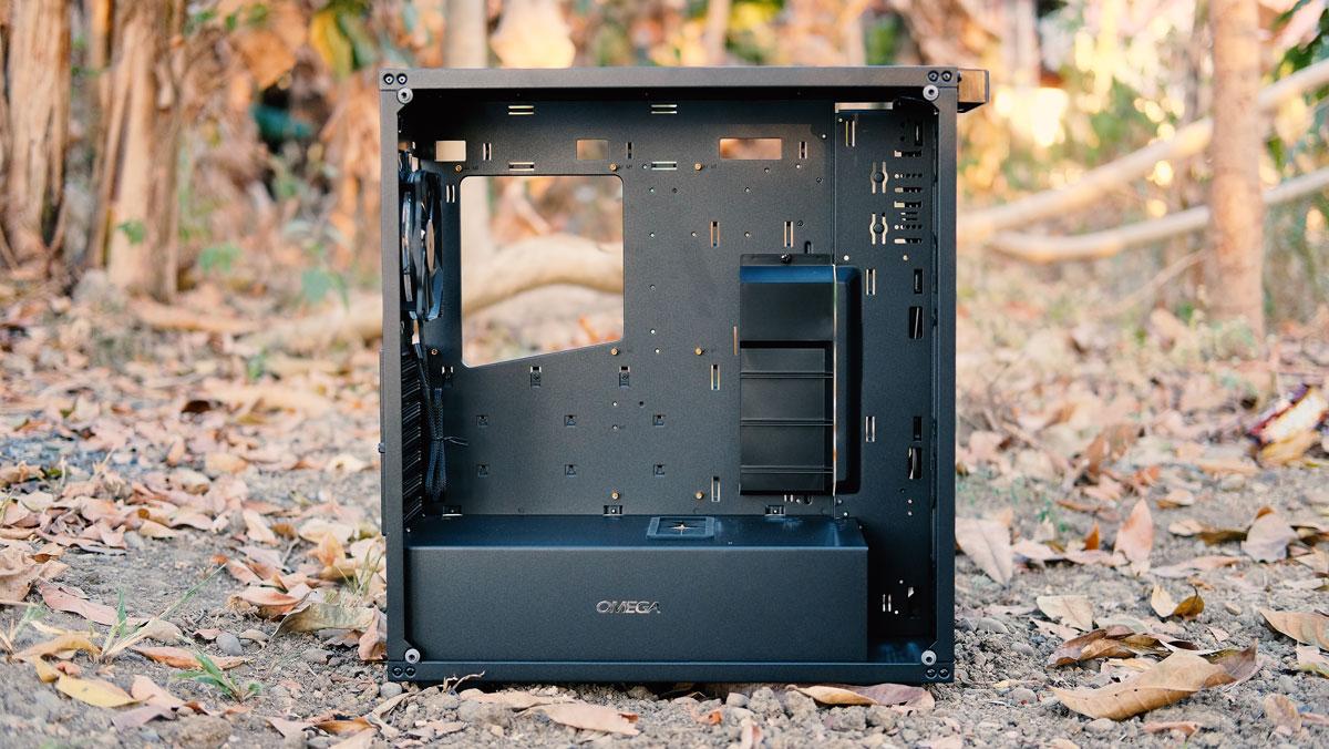 OMEGA-X6-TITAN-Glass-Case-Review-6