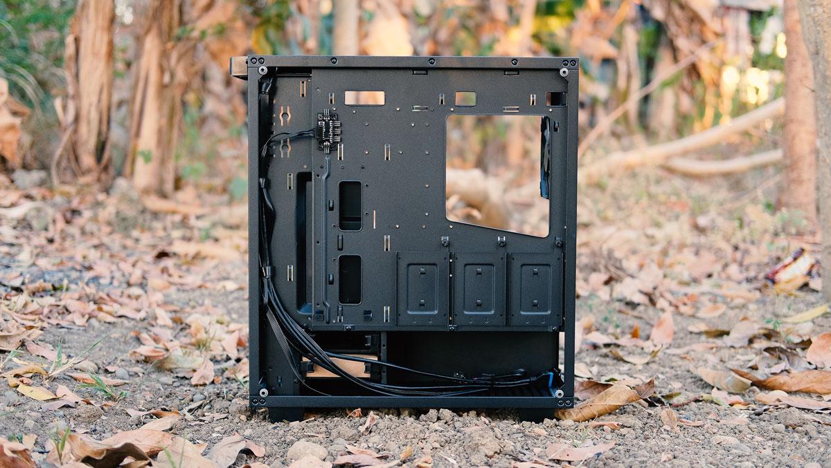 OMEGA-X6-TITAN-Glass-Case-Review-7