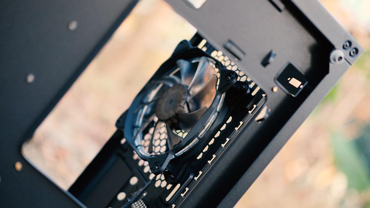 OMEGA-X6-TITAN-Glass-Case-Review-8