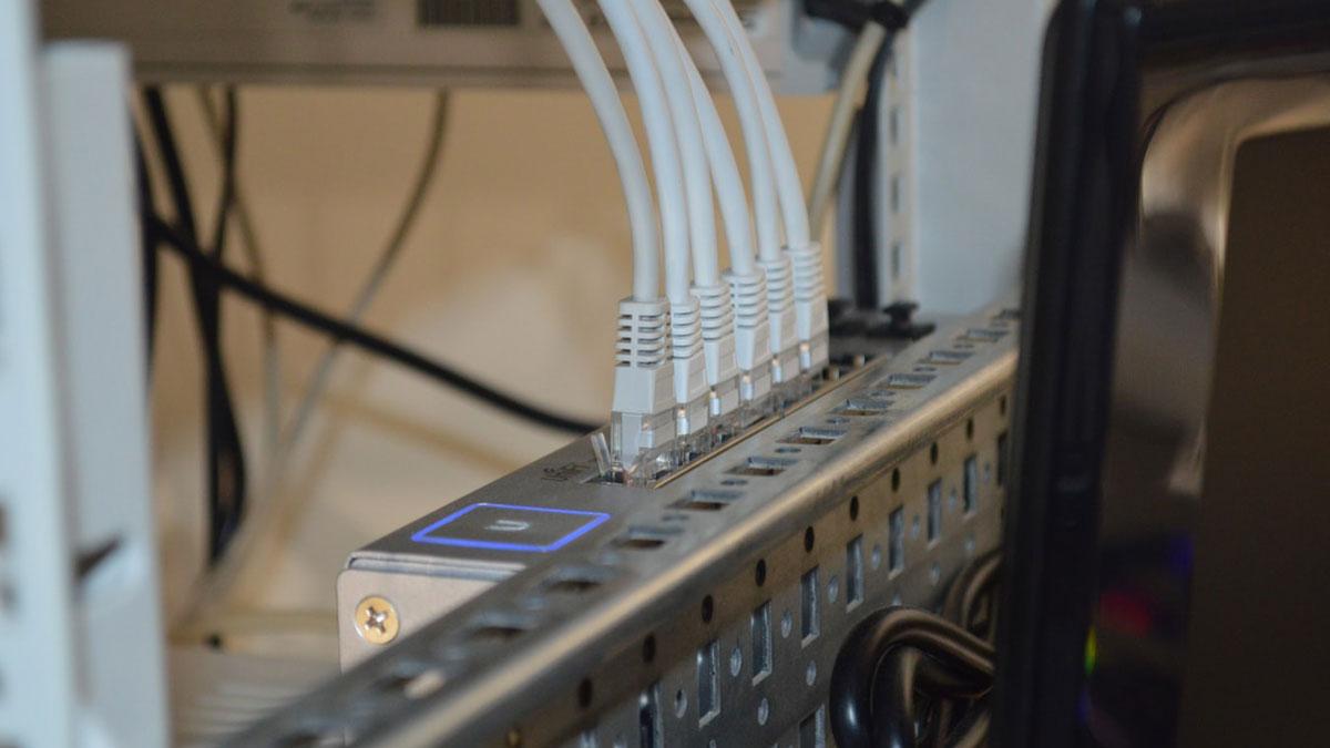 Kill Slow Internet Or It Will Kill Your Business: Pick The Best Broadband Service