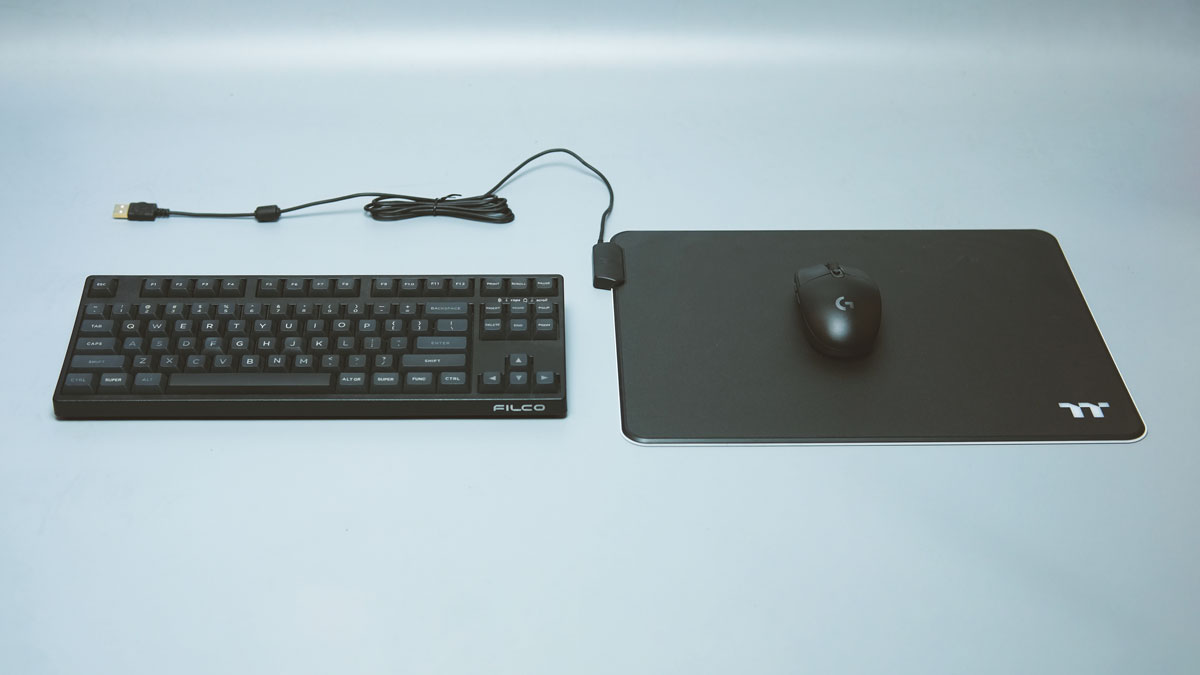 Thermaltake Level 20 RGB Mouse Pad Review 12