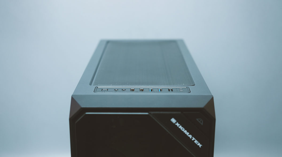 Review | Xigmatek Zest Tempered Glass RGB Case